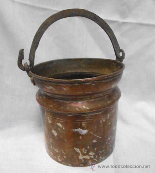 BONITA CALDERA DE COBRE CON ASA DE METAL (Antigüedades - Técnicas - Rústicas - Utensilios del Hogar)