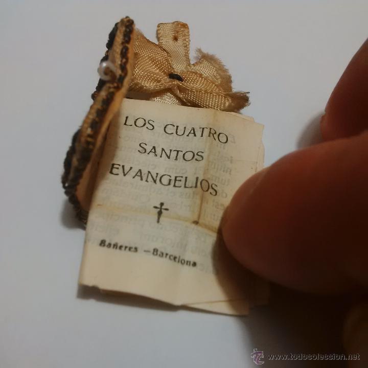 Antigüedades: ANTIGUO ESCAPULARIO BORDADO EN HILO DE ORO-LOS CUATRO SANTOS EVANGELIOS - BAÑERES BARCELONA - Foto 2 - 46905583