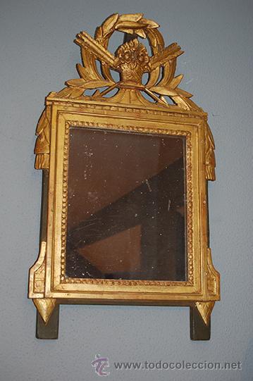 Espejo plateado y con el marco de madera dorada comprar for Espejo vintage plateado