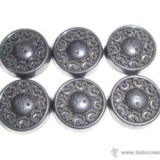 Antigüedades: 6 BOTONES NEGROS CON DIBUJOS CALADOS . Lote 46929593