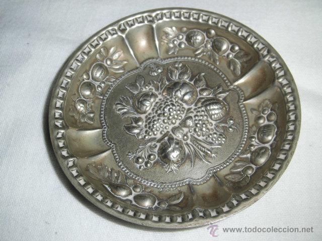 Antigüedades: BONITA BANDEJITA DE ALPACA CON DIBUJOS FLORALES - Foto 2 - 46951518