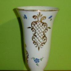 Antigüedades: BUCARO, JARRON DE CRISTAL OPALINA MUY ANTIGUO S. XIX. Lote 46966503