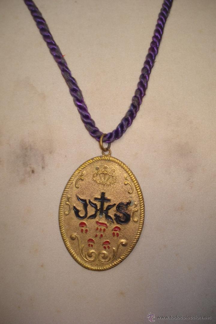 ANTIGUA MEDALLA DE COFRADÍA RELIGIOSA. (Antigüedades - Religiosas - Medallas Antiguas)