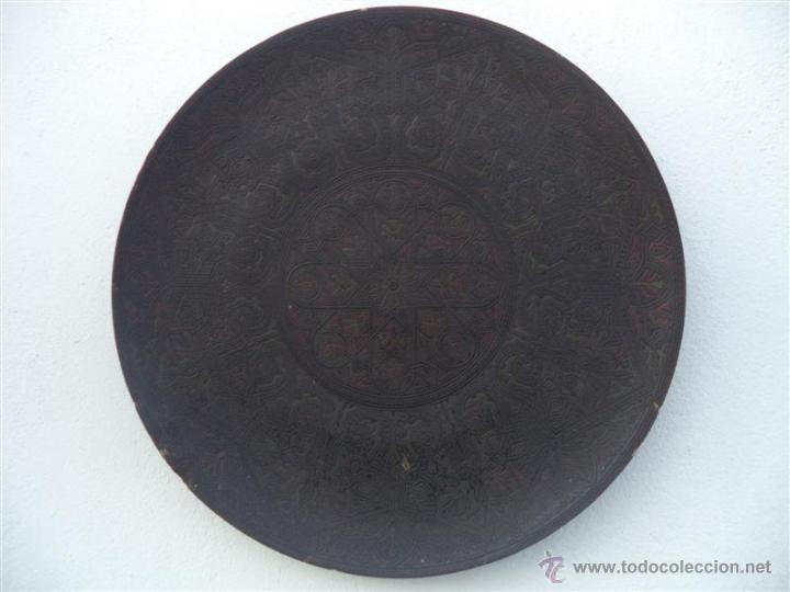PLATO GRANDE DE CERAMICA (Antigüedades - Hogar y Decoración - Platos Antiguos)