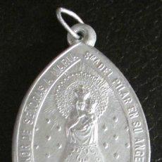 Antigüedades: MEDALLA DE ALUMINIO. CORTE DE HONOR DE SEÑORAS A MARIA SMA. DEL PILAR EN SU ANGELICA CAPILLA.. Lote 47041123