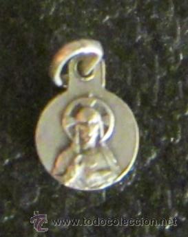 Antigüedades: MEDALLA DE PLATA VIRGEN DE MONTSERRAT. SAGRADO CORAZÓN DE JESÚS. DIÁMETRO 0,8 CM. SELLO PLATERO - Foto 2 - 47042775