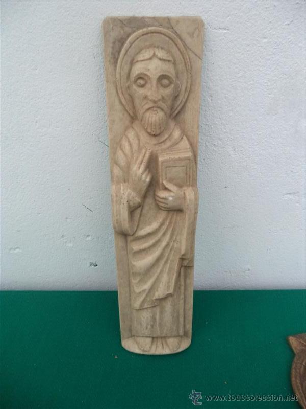 FIGURA RELIGIOSA DE RESINA (Antigüedades - Religiosas - Varios)