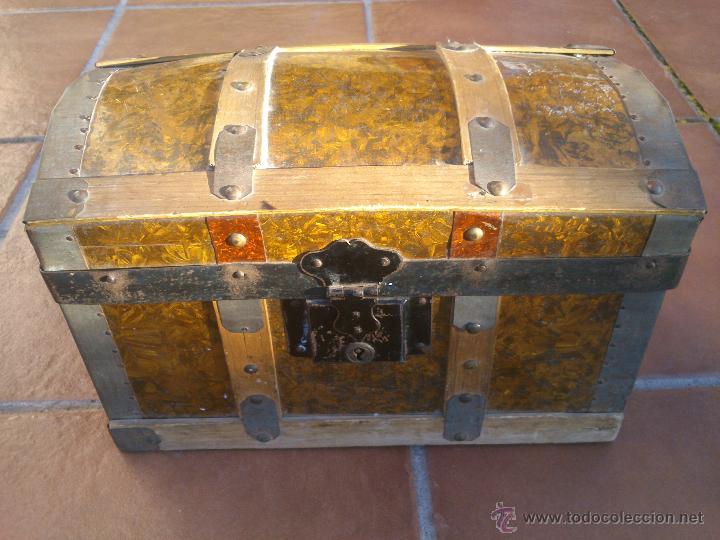 Antiguo y peque o baul madera y chapa arca cofr comprar - Baules antiguos de madera ...