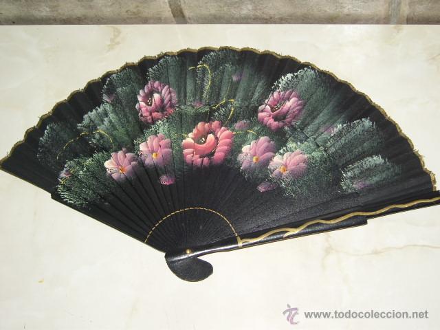 ANTIGUO ABANICO DE MADERA PINTADO A MANO. (Antigüedades - Moda - Abanicos Antiguos)