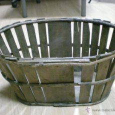 Antigüedades: ANTIGUA CESTA PARA LA FRUTA DE MADERA. Lote 47193824