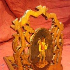 Antigüedades: SUJETALIBROS PLEGABLE DE VIAJE ISABELINO ISABELINA CATALAN. CIRCA 1830.RAIZ NOGAL Y MARQUETERIA. Lote 47194351