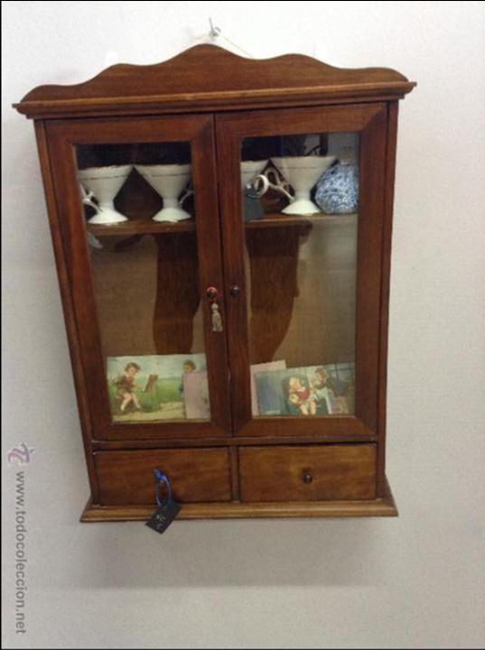 Peque a vitrina en madera de pino vendido en venta - Vitrinas pequenas ...