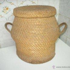 Antigüedades: CESTO DE ESPARTO CON TAPADERA Y ASAS, CAPAZO DE PLEITA, CESTA PARA GRANO, CANASTA TRENZADA AÑOS 50.. Lote 54017944