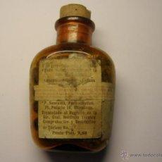 Oggetti Antichi: ANTIGUA BOTELLA DE MEDICAMENTO PREPARADA POR EL FARMACEUTICO P. SANROMÀ, BARCELONA, AÑOS 1920. . Lote 47284333