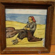 Antigüedades: AZULEJO / BALDOSA. CERÁMICA DE ONDA ( CASTELLÓN - PESCADOR. ENMARCADO. 18 X 08 CM. FIRMA. DUARTE.. Lote 47288340