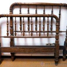 Antigüedades: CAMA EN MADERA DE HALLA TORNEADA (HAY OTRO LOTE SIMILAR). Lote 47294126
