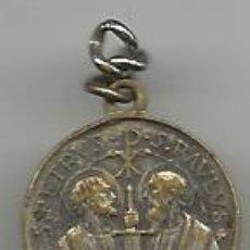Antigüedades: ANTIGUA MEDALLA DE PAPA PABLO VI CON LOS APOSTOLES PEDRO Y PABLO. Lote 47295578