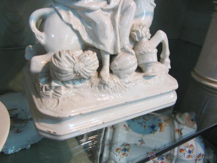 Antigüedades: Preciosa Figura de Alcora - Alegorías de los 5 continentes siglo XVIII Pieza de Museo - Foto 6 - 47312993