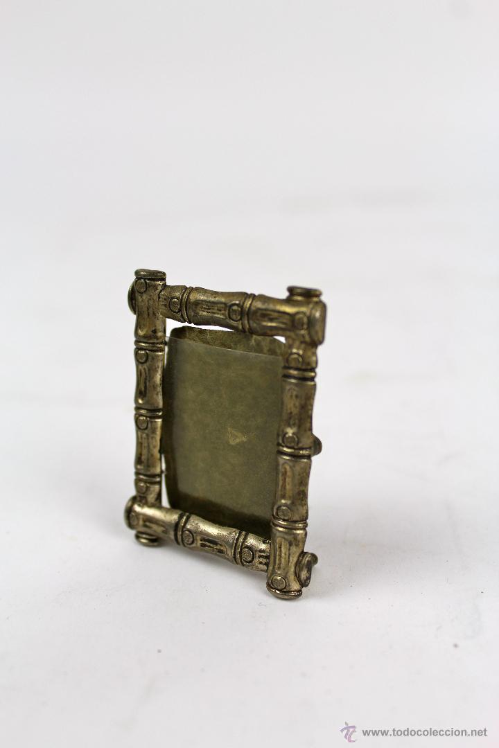 pequeño marco de fotos en metal plateado. medid - Comprar Marcos ...