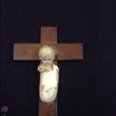 Antiquités: CRUZ NIÑO JESUS PARA COLGAR - 10X14 - CAR32. Lote 47368756