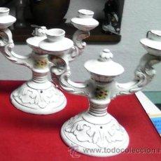 Antigüedades: PAREJA DE CANDELABROS DE PORCELANA, BOTET. Lote 47398848
