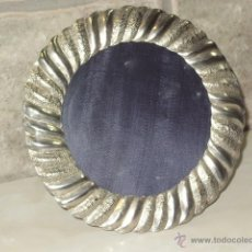 Antigüedades: ANTIGUO PORTAFOTOS REDONDO.. Lote 47416866