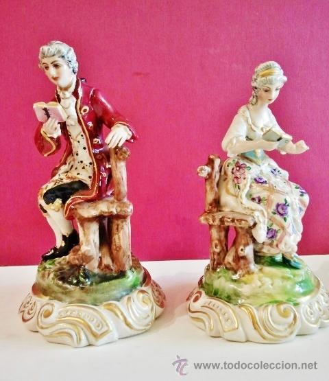 Antigüedades: Pareja de porcelanas antiguas. Dama y señor sentados leyendo. - Foto 6 - 47441682
