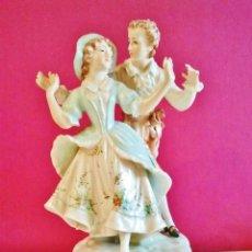 Antigüedades: PORCELANA ANTIGUA. PAREJA DE BAILARINES. . Lote 47441684