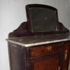 Antigüedades: APARADOR - TRINCHANTE ISABELINO CON ESPEJO. Lote 47504331