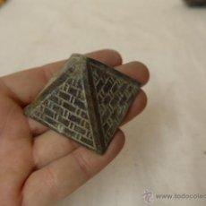 Antiquités: ANTIGUA PIRAMIDE EGIPCIA DE BRONCE, EGIPTO. Lote 47525963