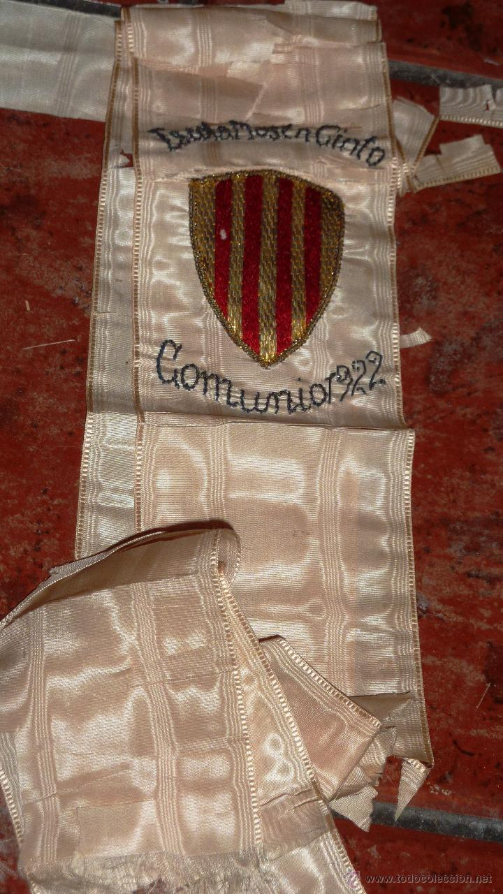 Antigüedades: antigua Banda escolar escuela . Escola mossen cinto . Comunión año 1922 Bordado escudo cataluña - Foto 3 - 47561566
