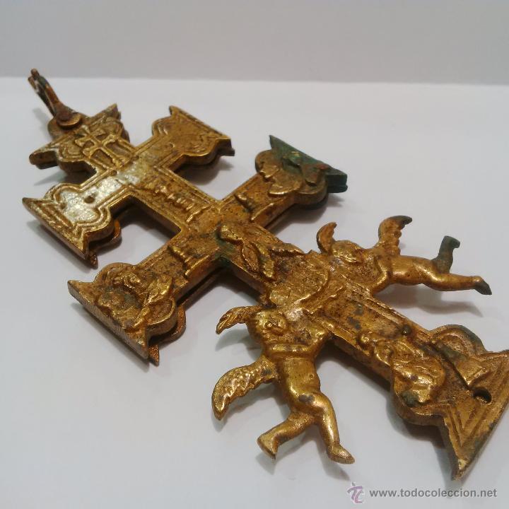 Antigüedades: ANTIGUA Y BONITA CRUZ DE CARAVACA DE BRONCE SIGLO XIX - Foto 4 - 197163032
