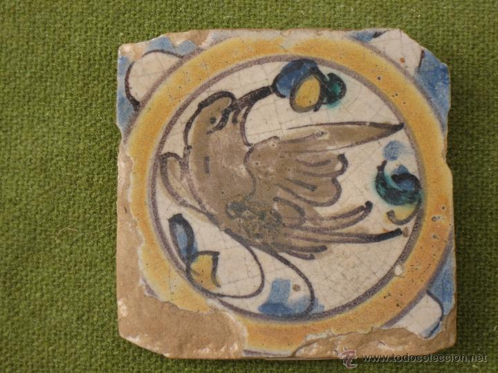 Antigüedades: AZULEJO ANTIGUO ( HOLAMBRILLA ). PAJARO - SEVILLA / TRIANA . SIGLO XVIII. - Foto 2 - 47580590