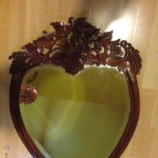 Antigüedades - Antiguo marco tallado con espejo biselado - 47581713