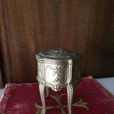 Antigüedades: JOYERO ISABELINO METAL S.XIX. Lote 116500510
