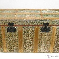 Antigüedades: PRECIOSO GRAN ARCON BAUL COFRE EN METAL Y MADERA IDEAL USO Y DECORACION. Lote 47716227
