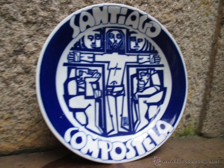 CASTRO SARGADELOS - PLATO SANTIAGO DE COMPOSTELA - EJEMPLAR Nº126/500 -27CM - DIBUJO DE PATIÑO + (Antigüedades - Porcelanas y Cerámicas - Sargadelos)