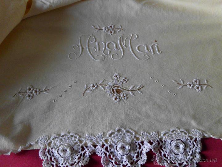 Antigüedades: Sábana con funda de algodón con bordado y puntilla hecho a mano - Foto 2 - 47740106