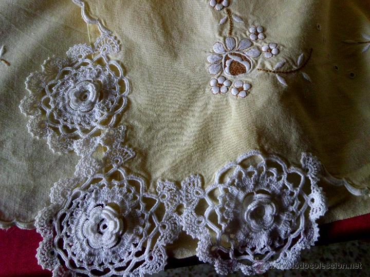 Antigüedades: Sábana con funda de algodón con bordado y puntilla hecho a mano - Foto 4 - 47740106