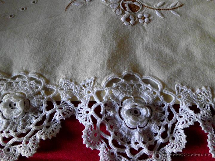 Antigüedades: Sábana con funda de algodón con bordado y puntilla hecho a mano - Foto 5 - 47740106