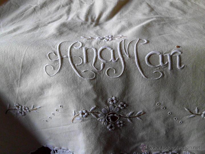 Antigüedades: Sábana con funda de algodón con bordado y puntilla hecho a mano - Foto 13 - 47740106