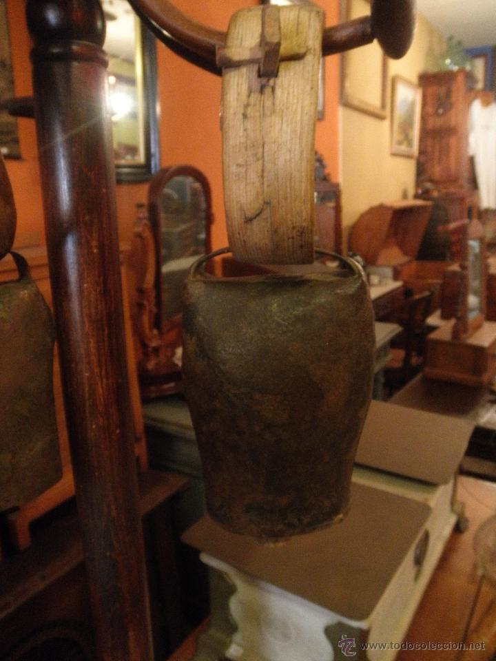 Antigüedades: ANTIGUO CENCERRO DEL PIRINEO - Foto 2 - 47831329