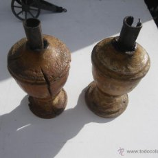 Antigüedades: PAREJA DE CADELABROS SIGLO XVI DE IGLESIA EN MADERA ... VER. Lote 47833582