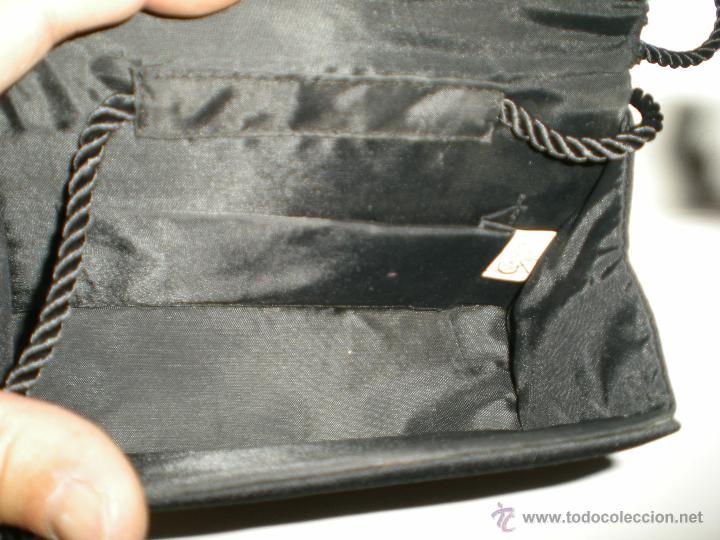 Antigüedades: bonito bolso de fiesta pequeño en negro con cristales de swarovski en su agarre muy buen estado!!.. - Foto 6 - 47833827
