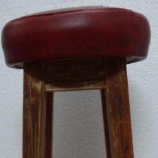 Antigüedades: TABURETE EN MADERA Y ASIENTO TAPIZADO- 135. Lote 45825965