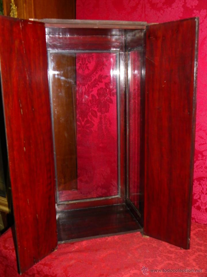 Antigüedades: Vitrina antigua en madera siglo XIX - Foto 9 - 109242926