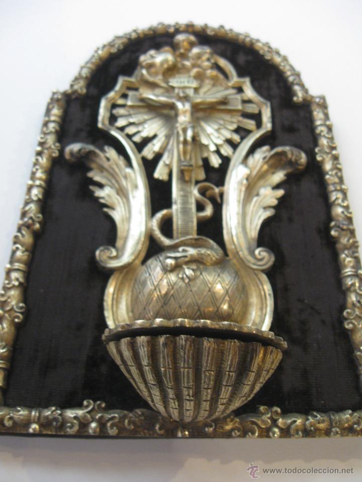 Antigüedades: Benditera en bronce - Foto 4 - 47863884