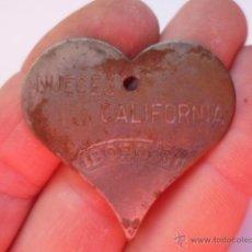 Antigüedades: ANTIGUO ROMPE NUECES, MARCA NUECES DE CALIFORNIA EN FORMA DE CORAZON. DE METAL. Lote 127549868