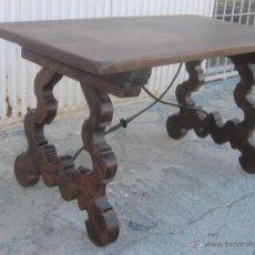 Antiquités: MESA ANTIGUA EN MADERA DE NOGAL. Lote 47884627