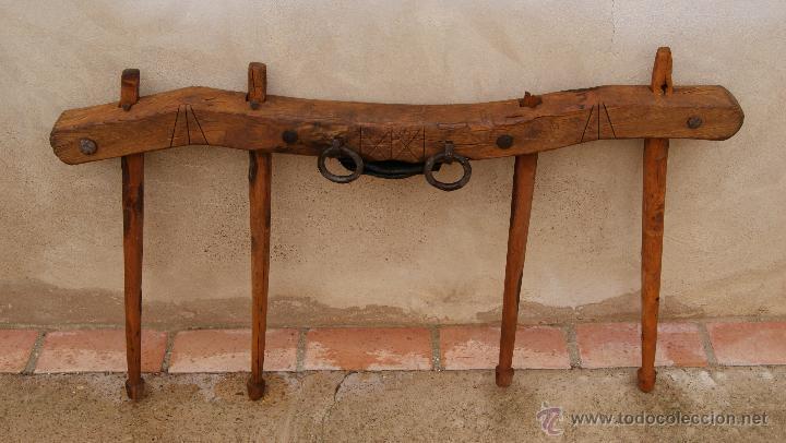 Antigüedades: Antiguo Yugo en madera, cuero y hierro. - Foto 2 - 47886858